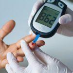 Как проверить точность показаний глюкометра? Нормы и таблицы