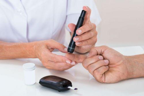 Измерение глюкозы крови глюкометром